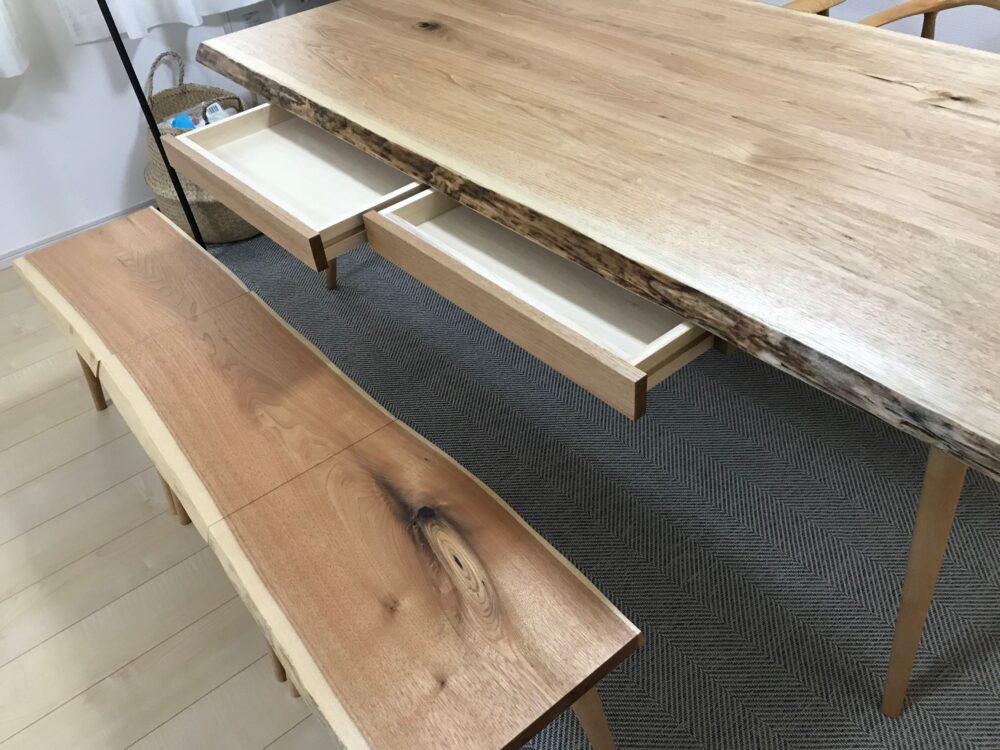 収納付き ダイニングテーブル